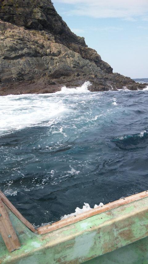 大島を船で一周しました